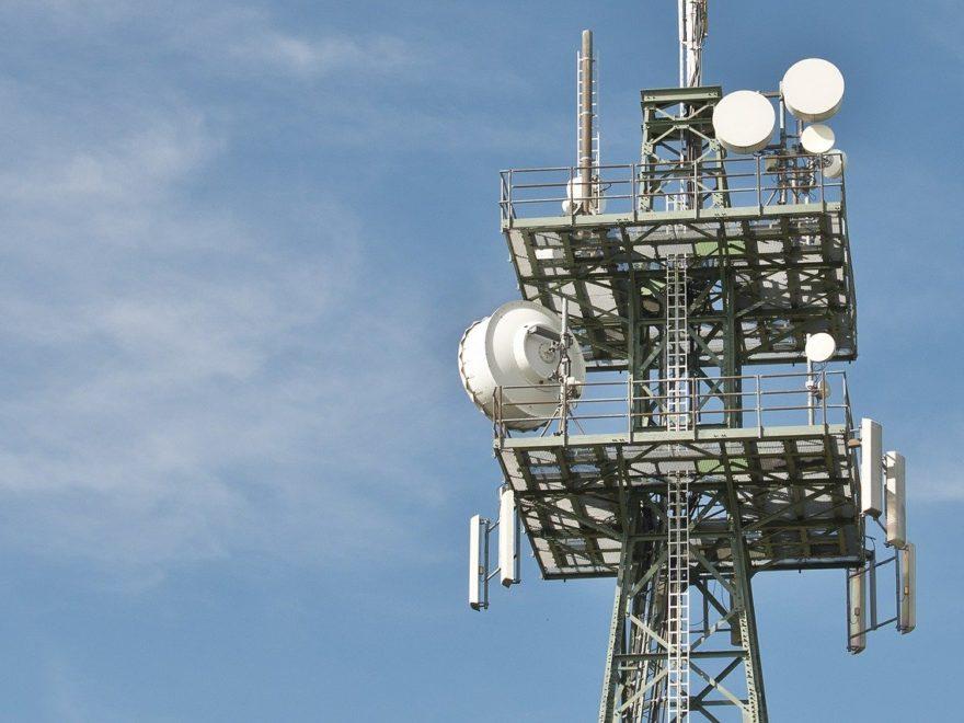 Mat de télécommunication